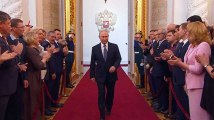 """Un an après """"l'Ode à la joie"""" de Macron, la longue marche de Poutine avant son investiture"""