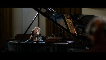 Jacqueline Govaert - Falling