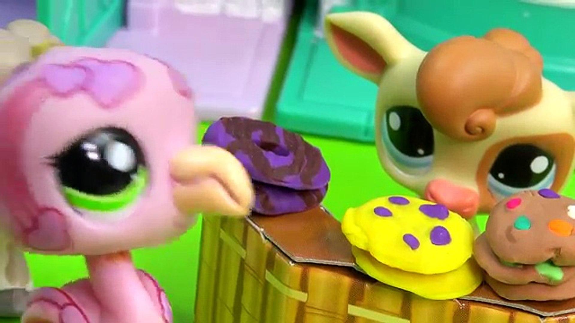 LPS Cookie Sale - Kreams Ice Creamery Littlest Pet Shop Part 15 Video Playing Series Cookieswirlc