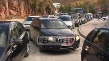 Report TV - Kapshticë, bllokimi i sistemit krijon radhë të gjata automjetesh