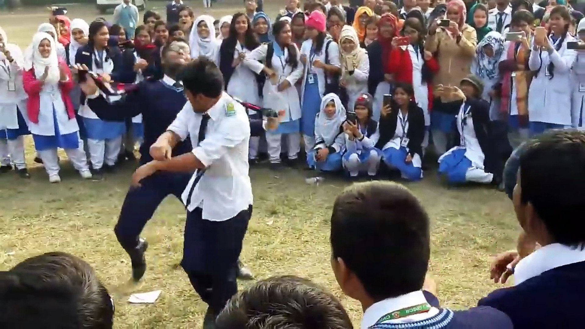 Laila Main Laila  Dance for girls  College Ground  Cant Public, Rangpur    2018