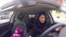 'Mos i fol shoferit' - Ervin Bejleri dhe Gladiola Harizaj të ftuar në taksinë e Rudina Dembacaj