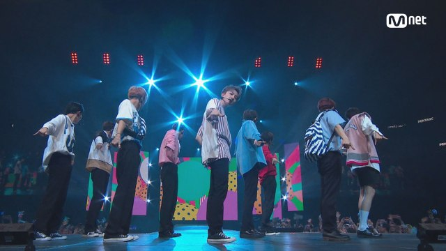 KCON 2018 NY×M COUNTDOWN| 펜타곤(PENTAGON) _ INTRO + 빛나리(Shine)