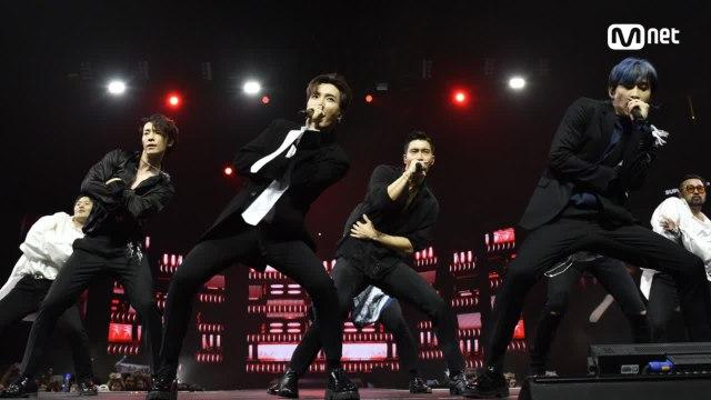 KCON 2018 NY×M COUNTDOWN|슈퍼주니어(SUPER JUNIOR) _ INTRO + Black Suit