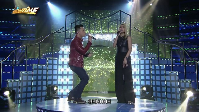 "It's Showtime: Anton and Eumee perform a duet of ""Gusto Kita"""