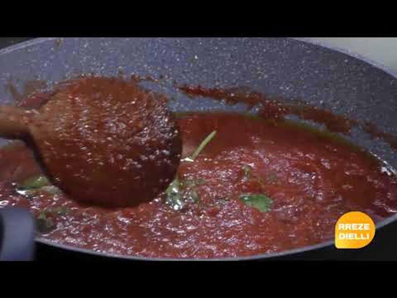 Te gatuajme me Zonjen Tefta PJ 1 Llazanje me patellxhan dhe djathe, Supe me pule