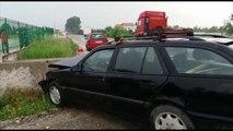 Report TV - Aksident në Fushë Krujë, përplasen dy makina, tre të plagosur