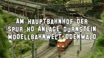 Modelleisenbahn Trainspotting am Hauptbahnhof Dürnstein in Spur H0 - Ein Film von Pennula über digitale Modelleisenbahnen sowie Modellbahnen und Modellbau der Eisenbahn