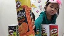 めかくし 味あて!ポテトチップス 色んな味の プリングルス 海外 お菓子 Pringles Challenge You Dont Just Eat Em Guess Em