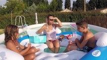DEGUSTATION PISCINE - On ouvre la WowBox dans la piscine !