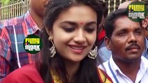 MAHANATI Heroine TROUBLED By Fans At Tirumala  Keerthy Suresh Visits Tirumala  Filmy Monk
