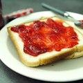 On en profite vite tant que les fraises sont de saison !▶️ La recette :
