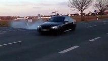 [Auto Car] BMW M5 E60 vs Mercedes E63 AMG Drift vesves Burnout