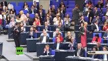 """""""Das ist doch krank!"""" - Sahra Wagenknecht hält Bundeskanzlerin Merkel mächtige Standpauke"""
