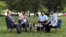 Büyükşehir Belediye Başkanı Aktaş'tan iftar programında canlı performans- Bursa Büyükşehir Belediye Başkanı Alinur Aktaş, Line TV'deki canlı yayında 'Yaralıyım' ilahisiyle dinleyenleri mest etti