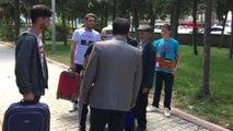 Şampiyon Sporcu Memleketinde Davul ve Zurnayla Karşılandı