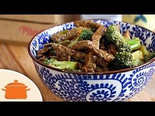 Carne com Brócolis à Moda Oriental