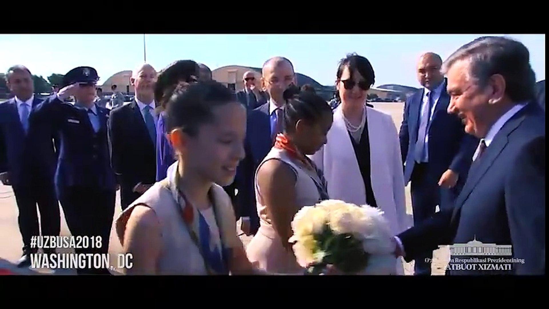 ВИДЕО ДНЯ: Президент Шавкат Мирзиёев м Первая леди Зироатхон Хошимова прибыли в США!