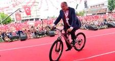 Muharrem İnce'ye Makam Aracı Olarak Bisiklet Hediye Edildi