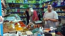 الليبيون يعانون لتوفير احتياجات شهر رمضان لنقص السيولة#ليبيا - (رويترز) - مع حلول شهر #رمضان المبارك، يعاني المواطنون وأصحاب المحلات في ليبيا على السواء من أزم