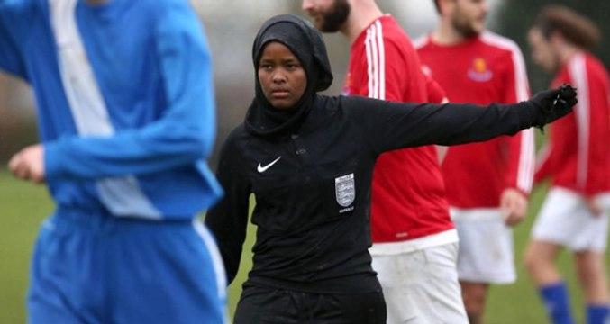 Büyük Britanya'nın İlk Müslüman Kadın Hakemi Ülke Gündemine Oturdu