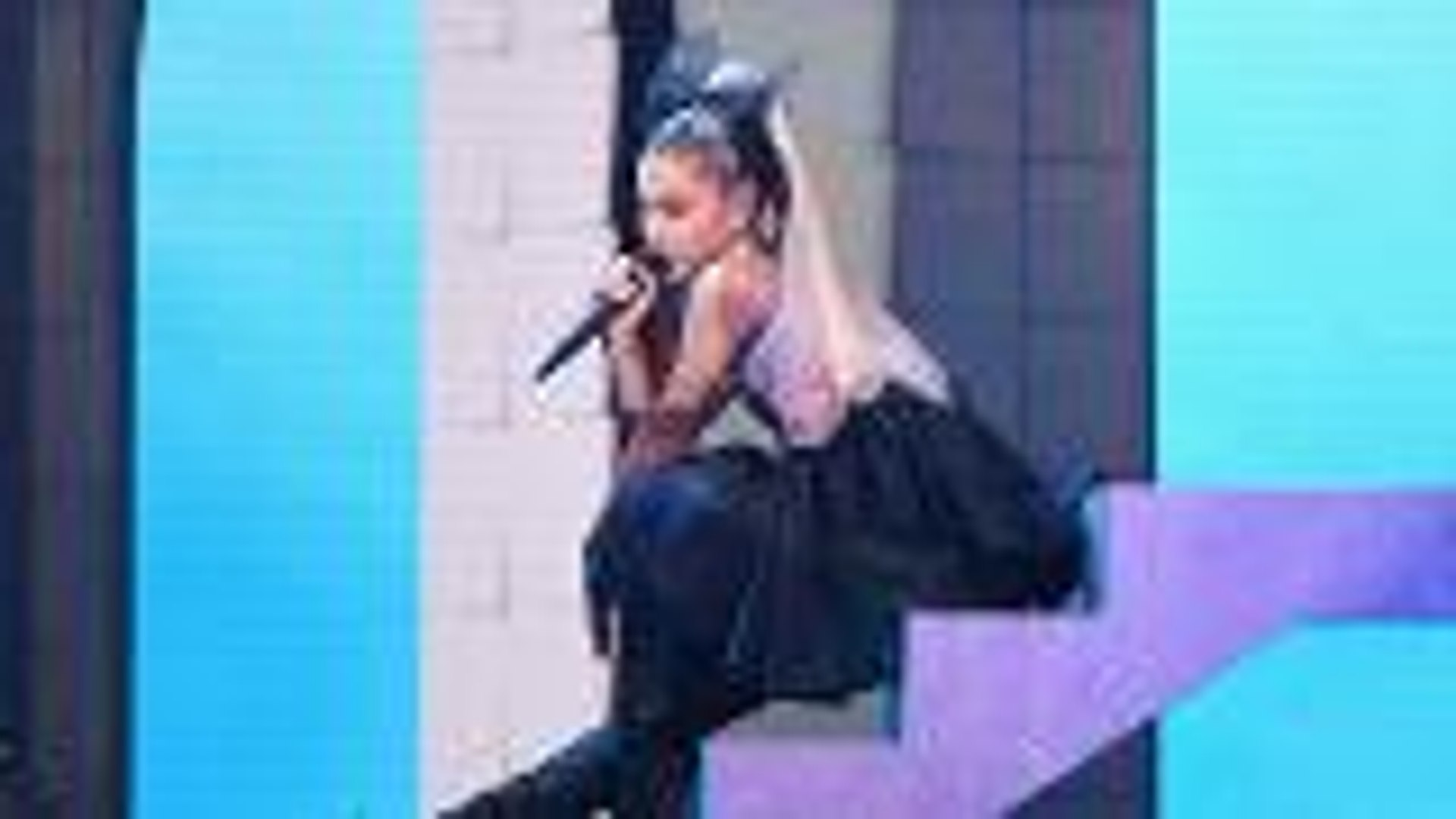 Ariana Grande Opens the Billboard Music Awards With Performance of 'No Tears Left to Cry'