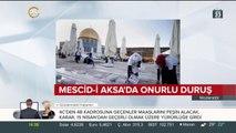 Müslümanlar Mescid-i Aksa'da Birleşik Arap Emirlikleri'nin