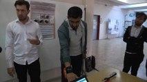 Üniversite öğrencileri engelli bireyleri unutmadı...Görme engelliler için bileğe takılabilen sensör yaptı