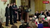 Obama remet la Médaille nationale des Humanités à Philip Roth le 2 mars 2011