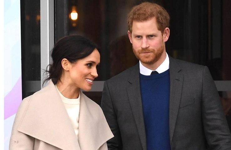 La Regina Elisabetta approva ufficialmente il matrimonio di Harry e Meghan