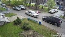 Russie : Une vielle dame dans la rue se fait prendre par un explosion !