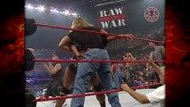 Kane Returns  Saves The Undertaker  The Rock! 52900