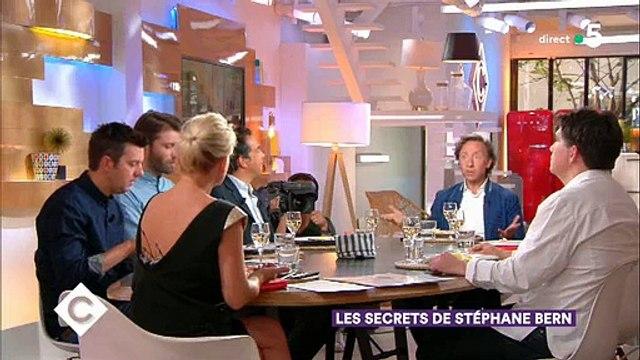 Stéphane Bern confie que la Reine Elizabeth II regarde... Secrets d'histoire sur France 2 ! Regardez