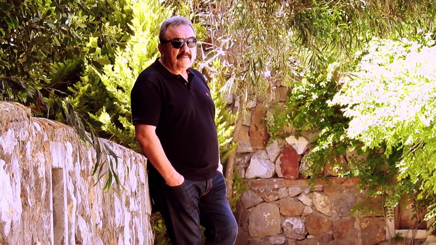 Ümit Besen - Sağım Solumsun (Official Video)