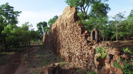 The Mysterious Ruins of Loropeni