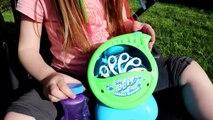 On profite du beau temps pour tester la machine à bulles de savon Blitz Bubble Blowout ! Outdoor