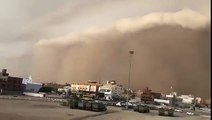 Cyclone Mekunu is nearing to Salalah, Oman. NOTE : Video is on Mekunu but not in Salalah.
