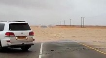 Cyclone Mekunu in Oman..!!!Car trapped in flood water...!!!Live from salalah...!!!