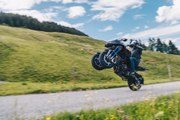 2019 Yamaha NIKEN First Ride Review - On Two Wheels