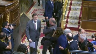 Rajoy acusa a Sanchez de chantajear a los partidos
