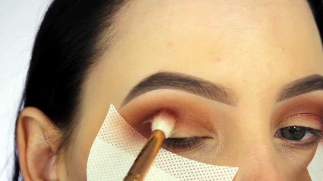 Classic Golden Glitter Eye Makeup Tutorial!