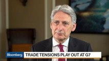 U.K.'s Hammond Says BOE Can Normalize Interest Rates 'Over Time'