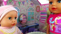 БЕБИ БОН. КУКЛЫ НА ПРОГУЛКЕ Играем в куклы Беби Борн