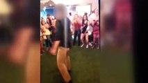 L'arme d'un agent du FBI tombe lors d'une danse et fini par tirer sur un homme.