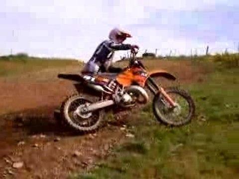[FUNNY] Regis fait du moto cross [Goodspeed]