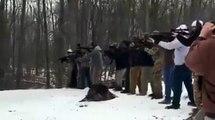 Couper un arbre à l'américaine... à coup de fusil