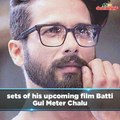 Shahid Kapoor Is Having Fun As He Enjoys A Laugh On The Sets Of Batti Gul Meter Chalu