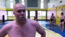 Sport : des sumos à Paris
