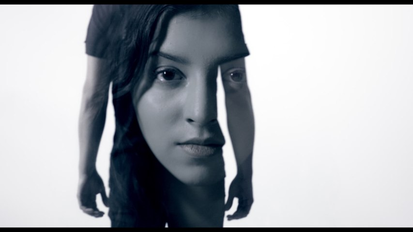Esther Eden - Blue Case