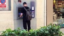 OUBLIER SON ARGENT (50 EUROS) DANS UN DISTRIBUTEUR ! - Expérience Sociale